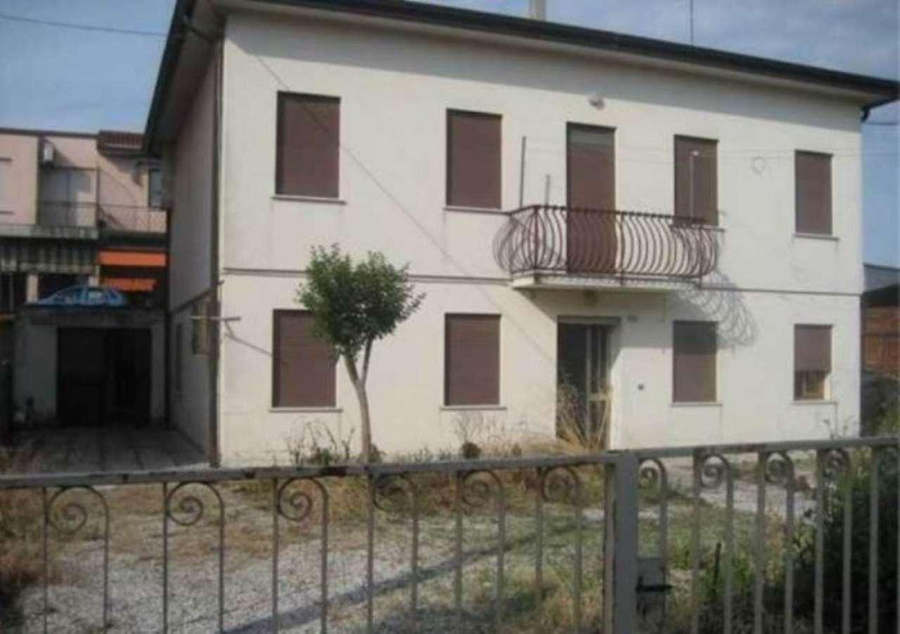 Soluzione Indipendente in vendita a Dolo, 6 locali, prezzo € 135.000 | Cambio Casa.it