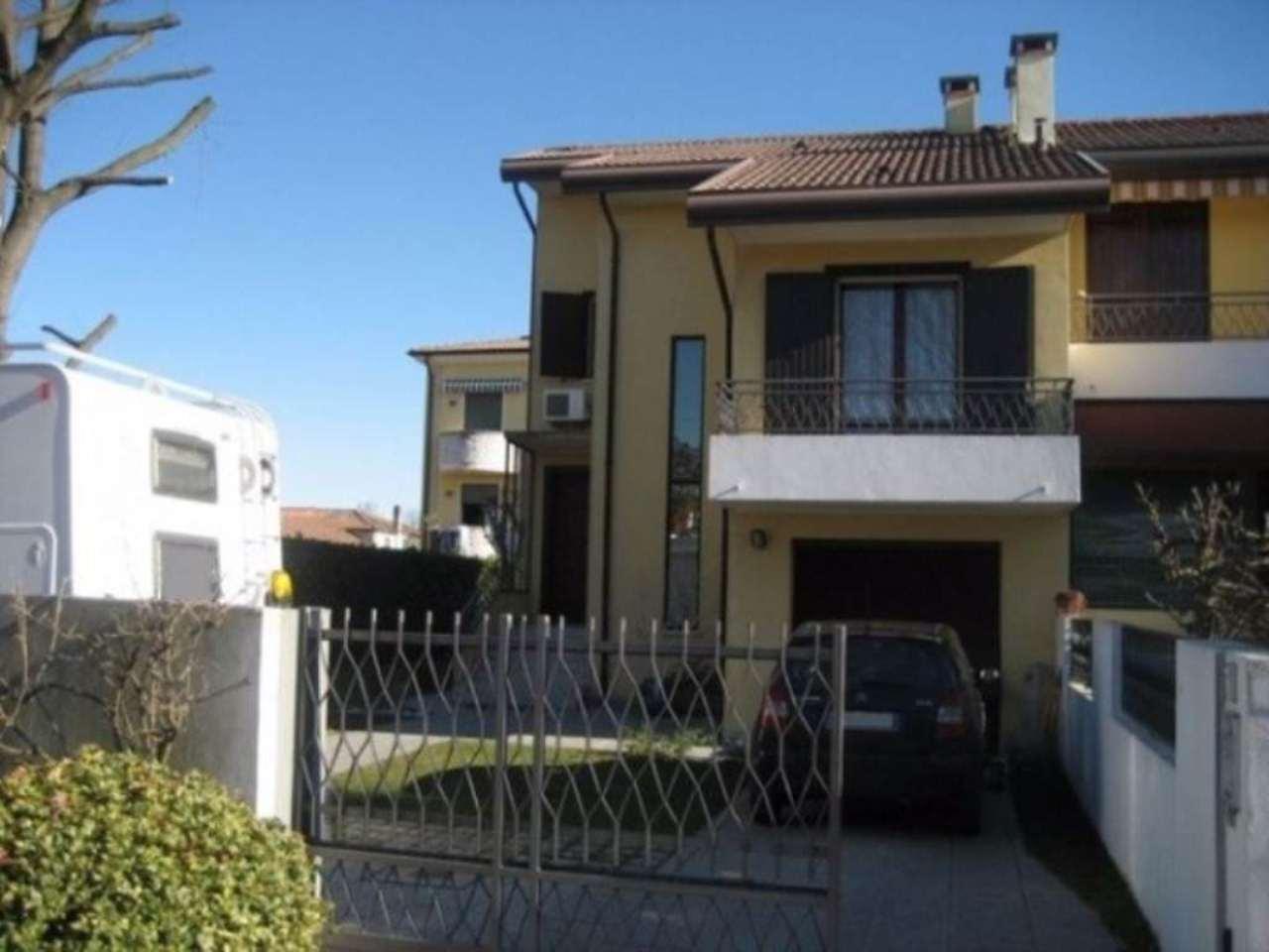 Villa in vendita a Dolo, 6 locali, prezzo € 230.000 | CambioCasa.it