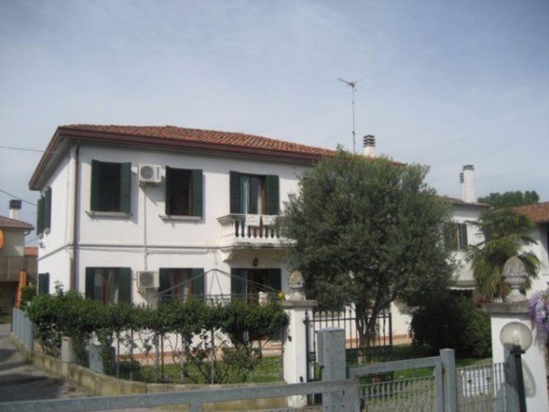 Villa in vendita a Mira, 6 locali, prezzo € 410.000 | Cambio Casa.it
