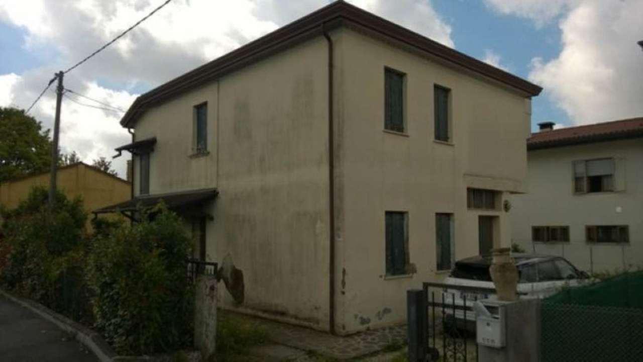 Villa in vendita a Pianiga, 6 locali, prezzo € 87.000 | Cambio Casa.it