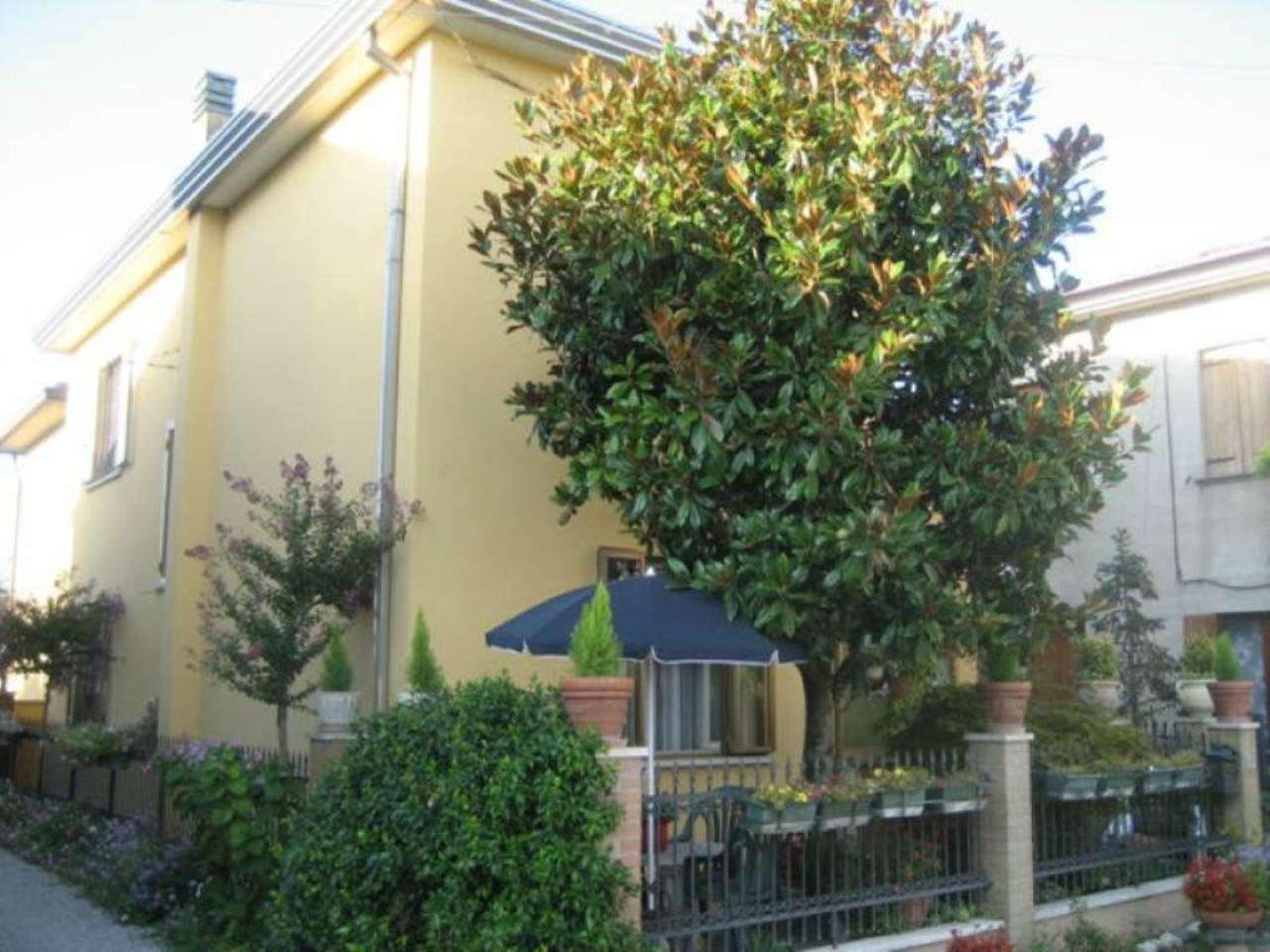 Soluzione Indipendente in vendita a Mirano, 8 locali, prezzo € 185.000 | Cambio Casa.it