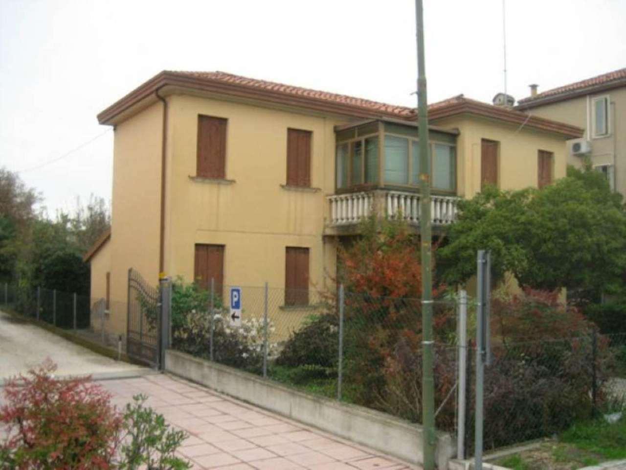 Soluzione Indipendente in vendita a Mira, 6 locali, prezzo € 179.000 | CambioCasa.it