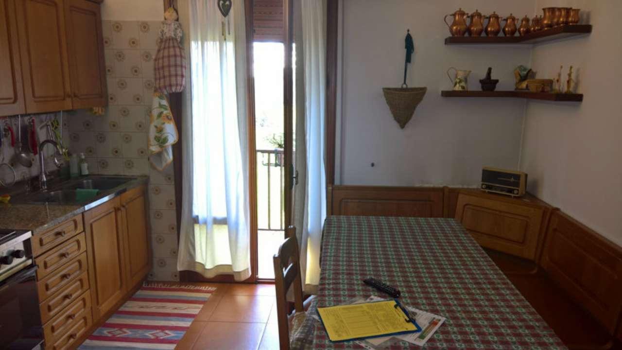 Appartamento in vendita a Mirano, 5 locali, prezzo € 128.000 | Cambio Casa.it