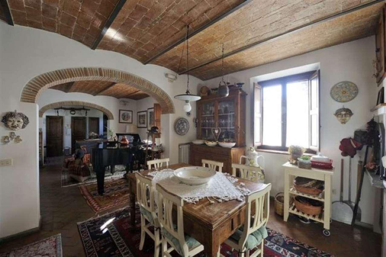 Palazzo / Stabile in vendita a Sesto Fiorentino, 5 locali, prezzo € 590.000   CambioCasa.it