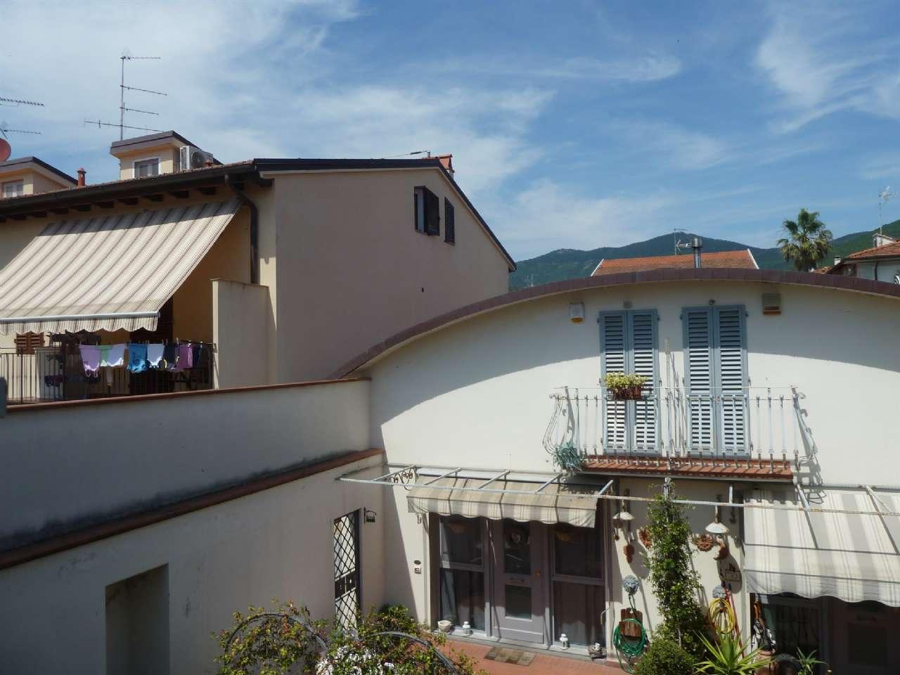 Palazzo / Stabile in vendita a Sesto Fiorentino, 4 locali, prezzo € 285.000   CambioCasa.it