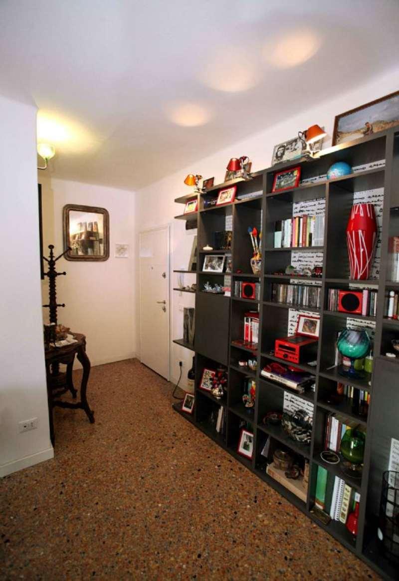 Appartamento in vendita a Venezia, 4 locali, zona Zona: 8 . Lido, prezzo € 310.000 | Cambio Casa.it
