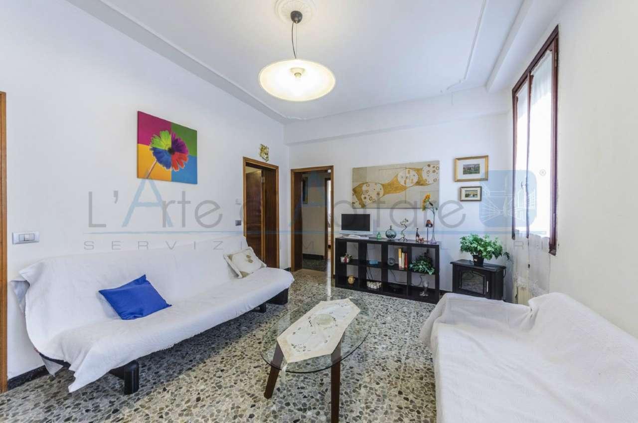 Appartamento in vendita a Venezia, 5 locali, zona Zona: 3 . Cannaregio, prezzo € 425.000 | Cambio Casa.it