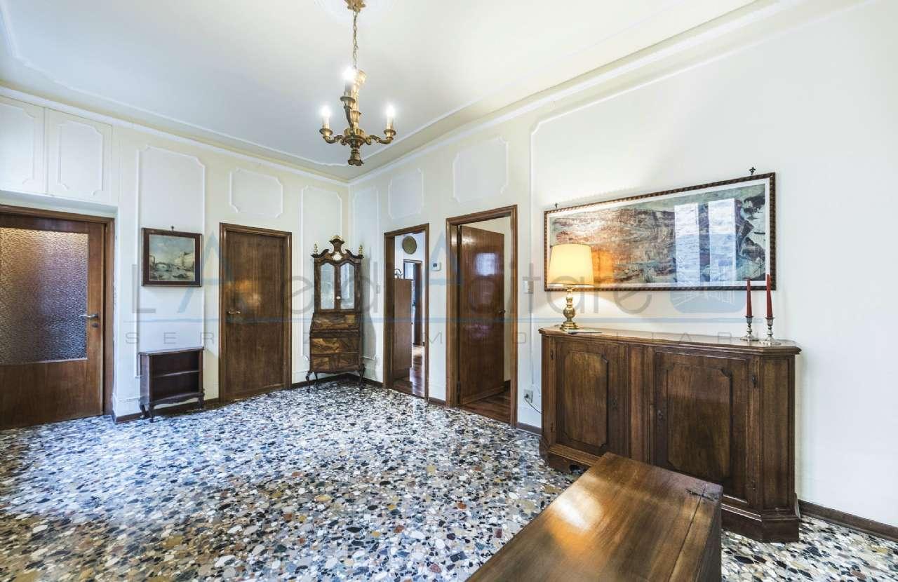 Appartamento in vendita a Venezia, 4 locali, zona Zona: 3 . Cannaregio, prezzo € 295.000 | Cambio Casa.it
