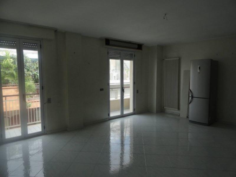 Appartamento in vendita a Andria, 6 locali, prezzo € 149.000 | Cambio Casa.it