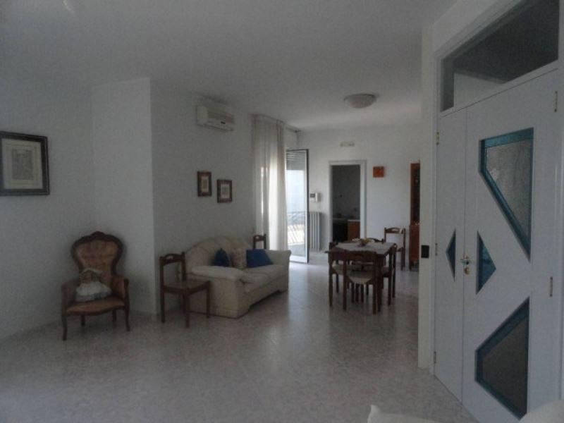 Palazzo / Stabile in vendita a Andria, 5 locali, prezzo € 260.000 | Cambio Casa.it