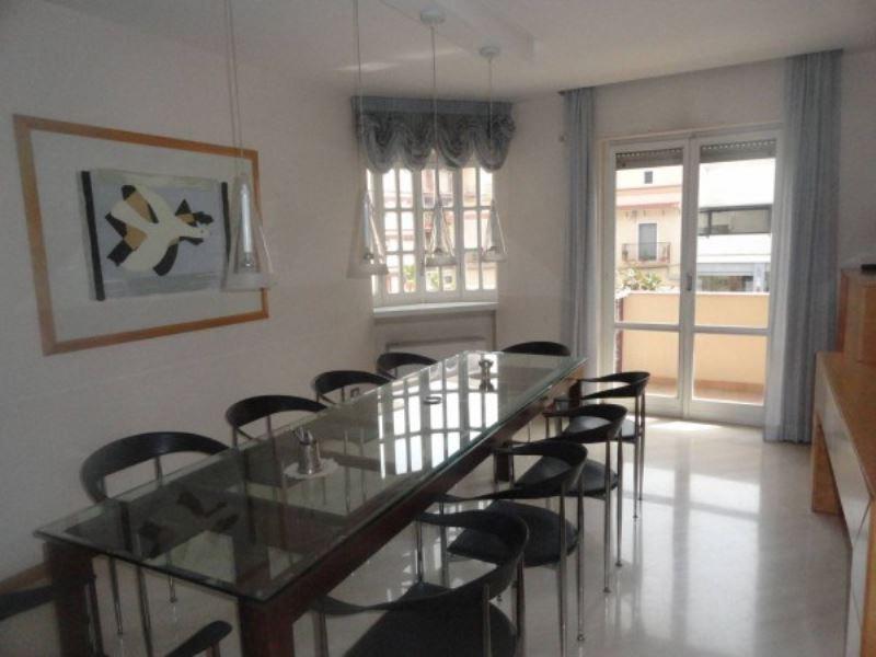 Ufficio / Studio in affitto a Andria, 5 locali, prezzo € 1.000 | Cambio Casa.it