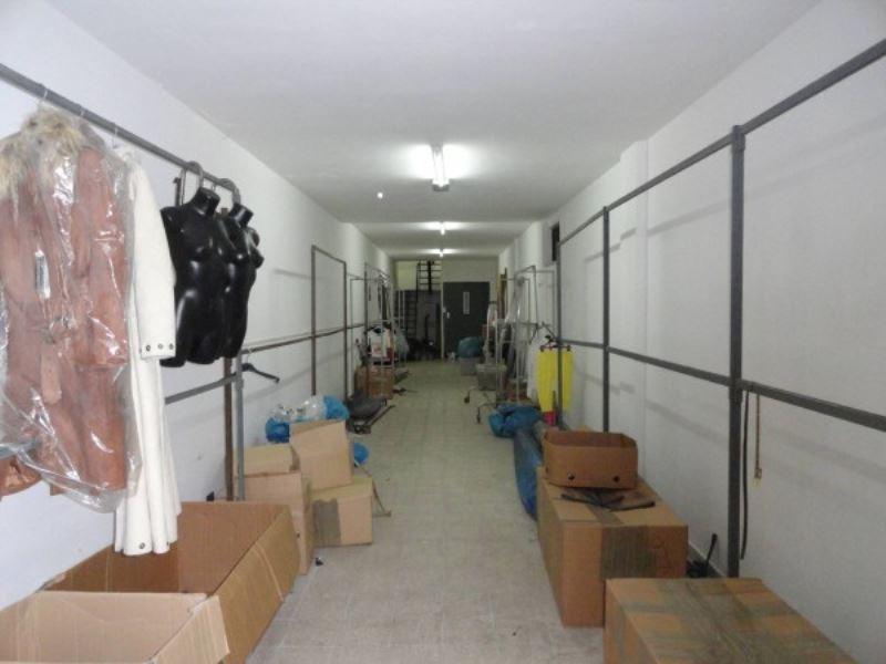 Negozio / Locale in affitto a Andria, 1 locali, prezzo € 1.300 | CambioCasa.it