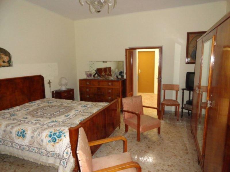 Appartamento in vendita a Andria, 4 locali, prezzo € 65.000 | Cambio Casa.it