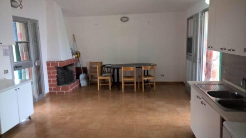 Villa in vendita a Andria, 3 locali, prezzo € 60.000   Cambio Casa.it