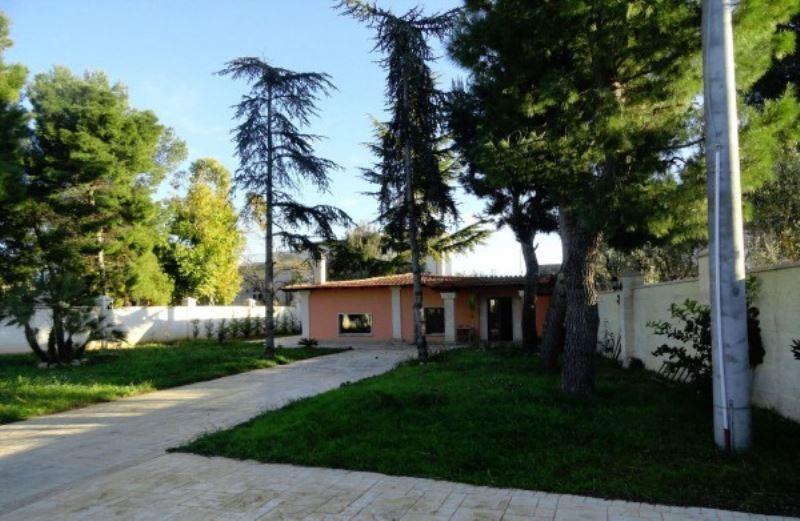 Villa in vendita a Andria, 4 locali, prezzo € 300.000   Cambio Casa.it