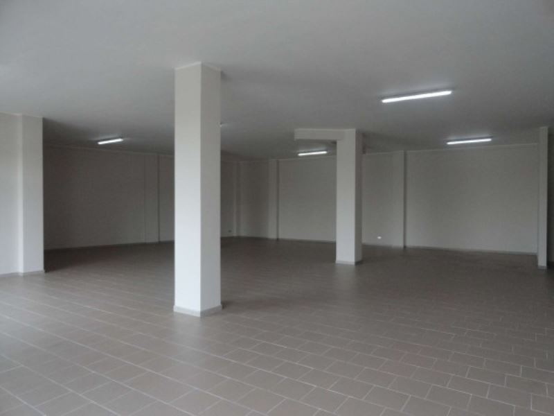 Negozio / Locale in affitto a Andria, 1 locali, prezzo € 800 | CambioCasa.it