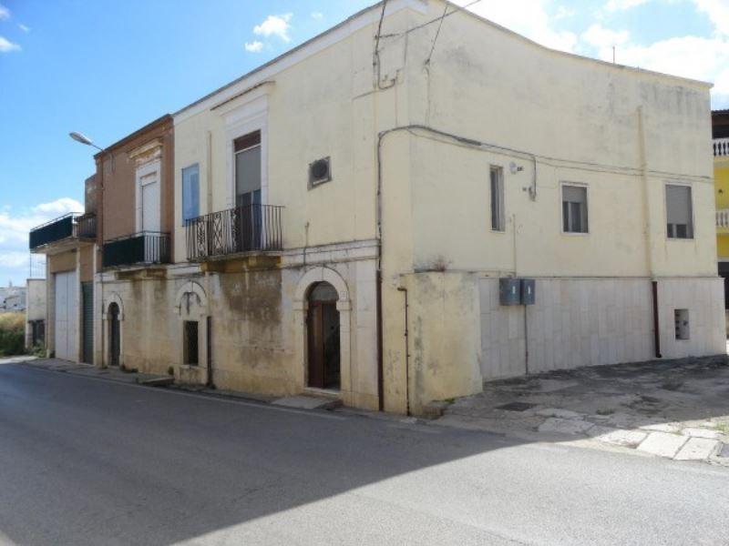 Palazzo / Stabile in vendita a Andria, 4 locali, prezzo € 315.000 | CambioCasa.it
