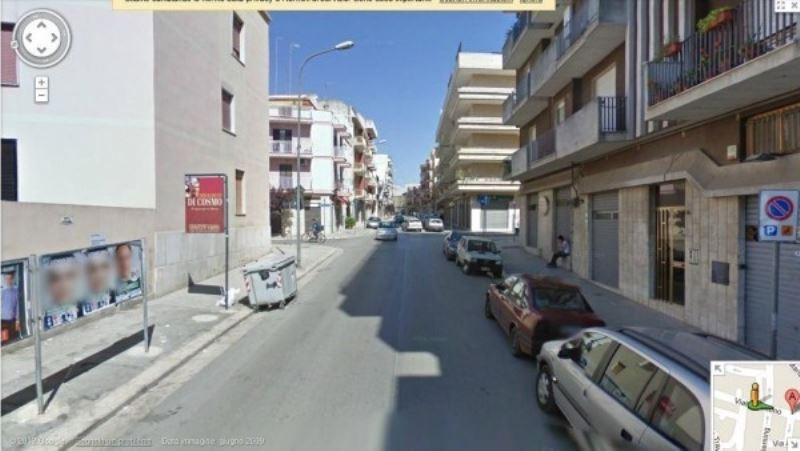 Box / Garage in vendita a Andria, 6 locali, Trattative riservate | CambioCasa.it