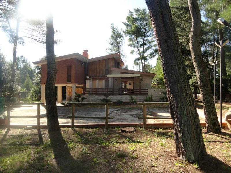 Villa in vendita a Andria, 9999 locali, prezzo € 480.000 | CambioCasa.it