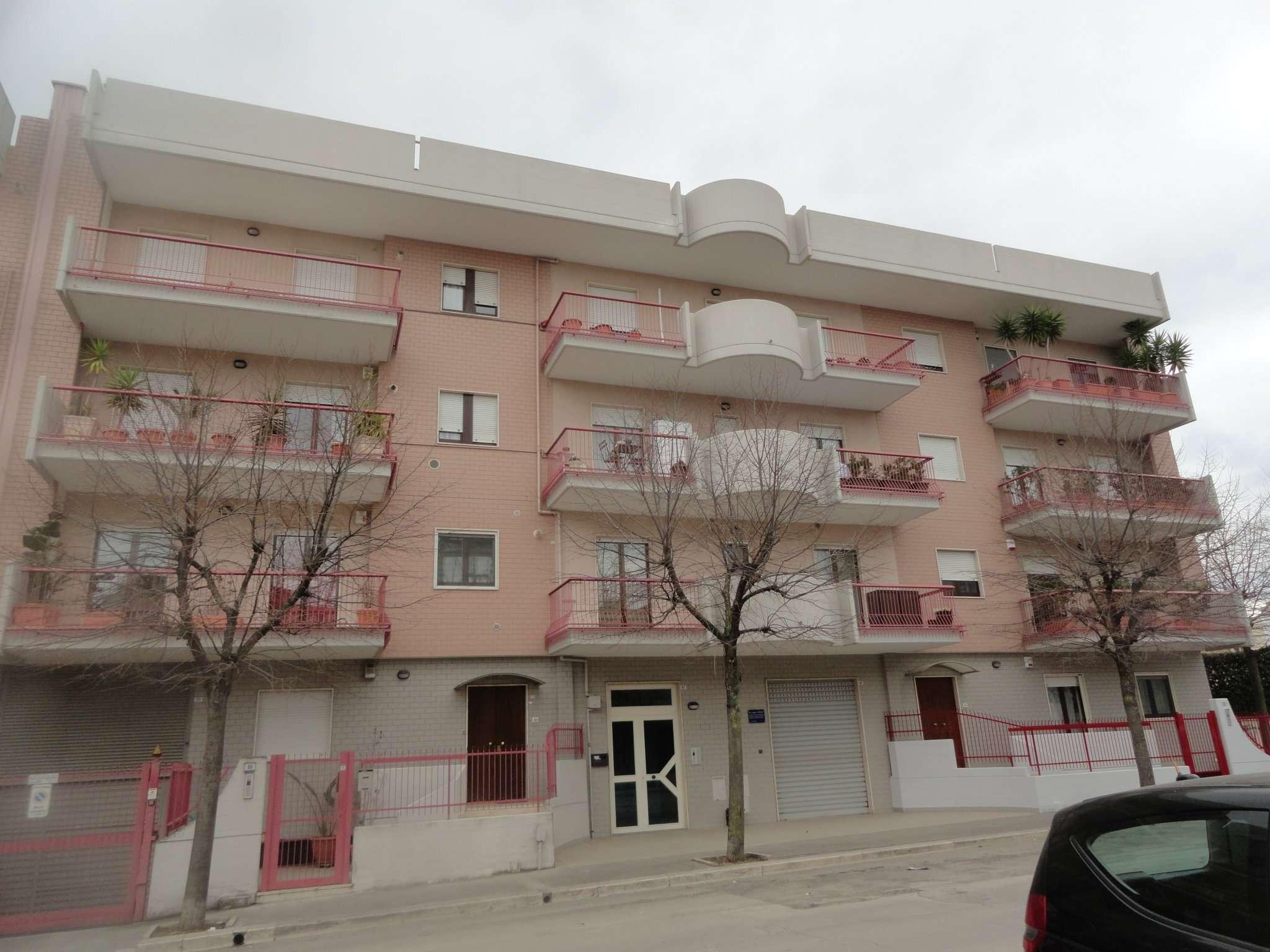 Appartamento in affitto a Andria, 9999 locali, prezzo € 600 | CambioCasa.it