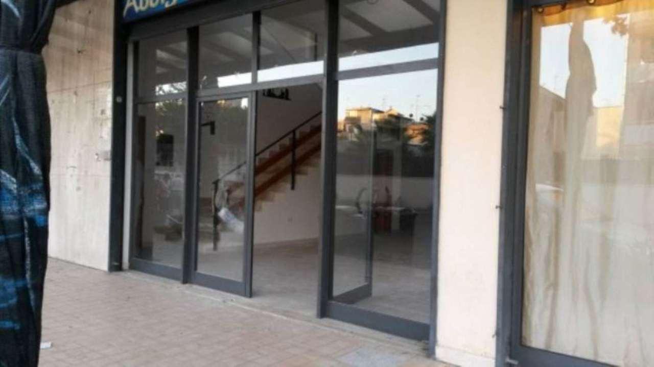 Negozio / Locale in vendita a Volla, 1 locali, prezzo € 175.000 | Cambio Casa.it