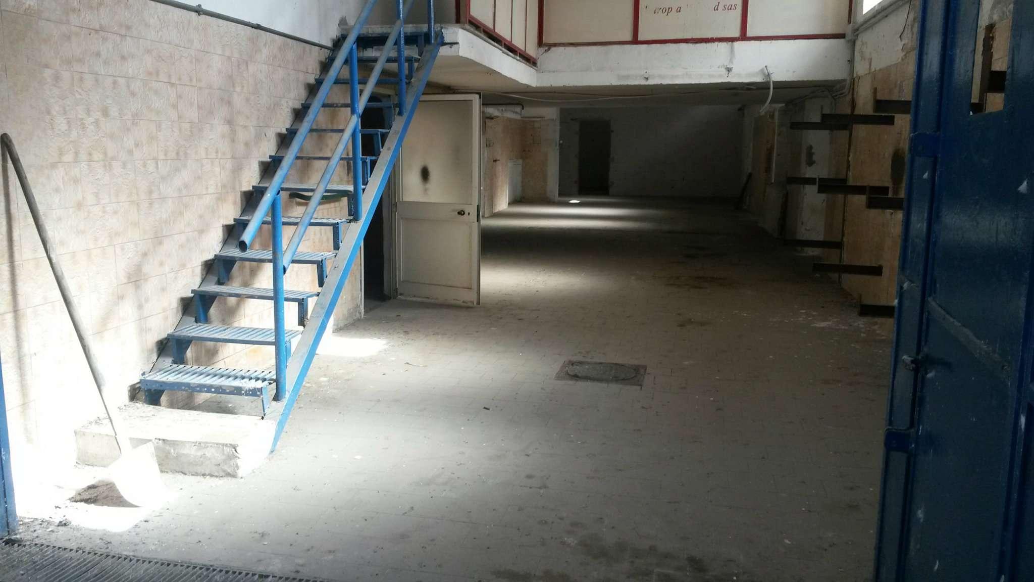 Capannone in vendita a San Giorgio a Cremano, 2 locali, prezzo € 240.000 | Cambio Casa.it