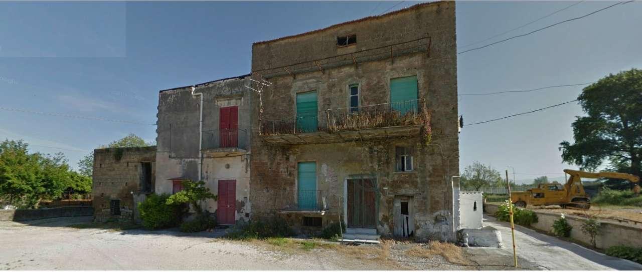 Rustico / Casale in Vendita a Pomigliano d'Arco
