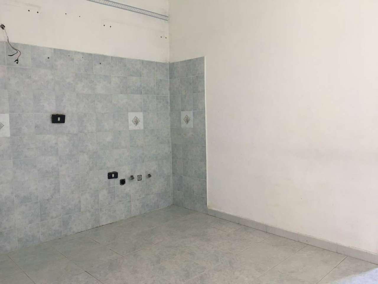 Appartamento in affitto a Napoli, 2 locali, zona Zona: 6 . Ponticelli, Barra, San Giovanni a Teduccio, prezzo € 430 | CambioCasa.it