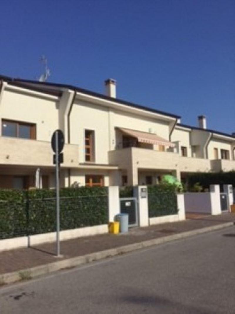 Appartamento in vendita a Mogliano Veneto, 6 locali, prezzo € 170.000 | Cambio Casa.it