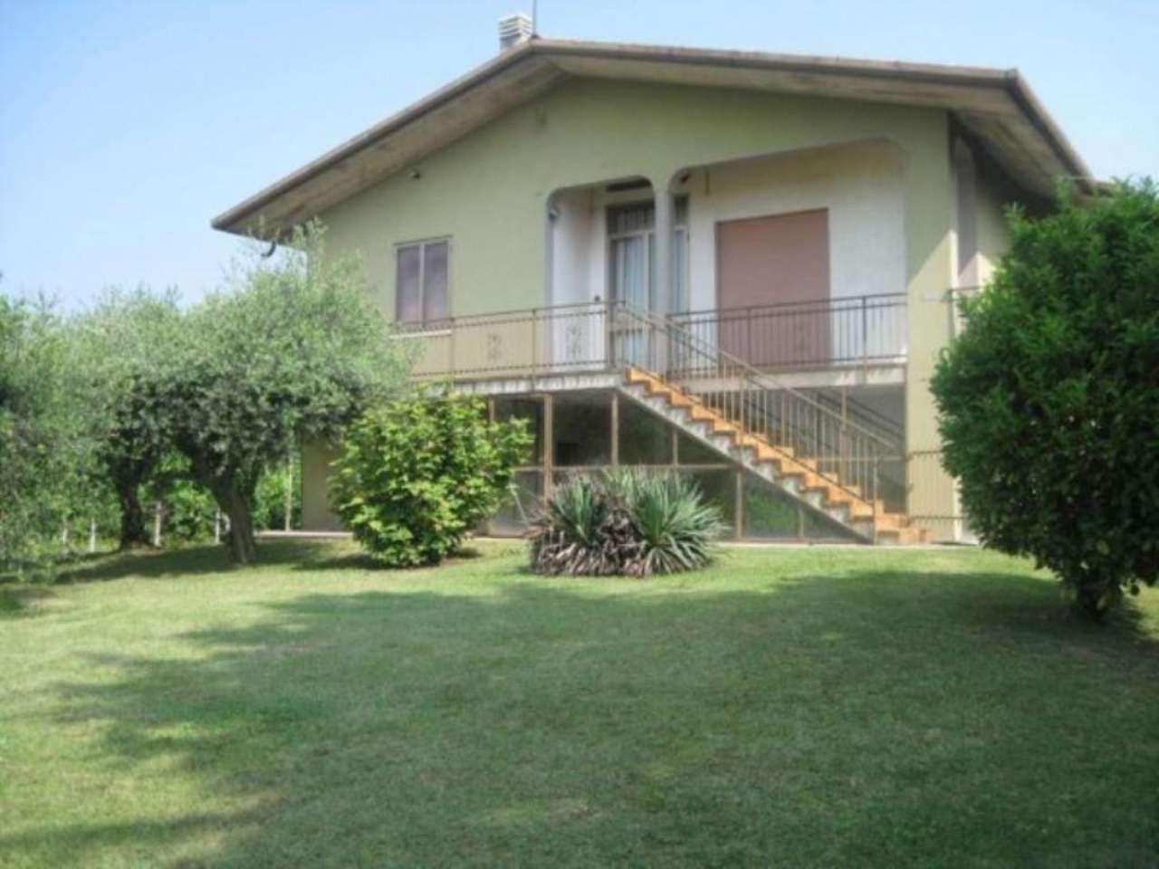 Villa in Vendita a Caerano di San Marco