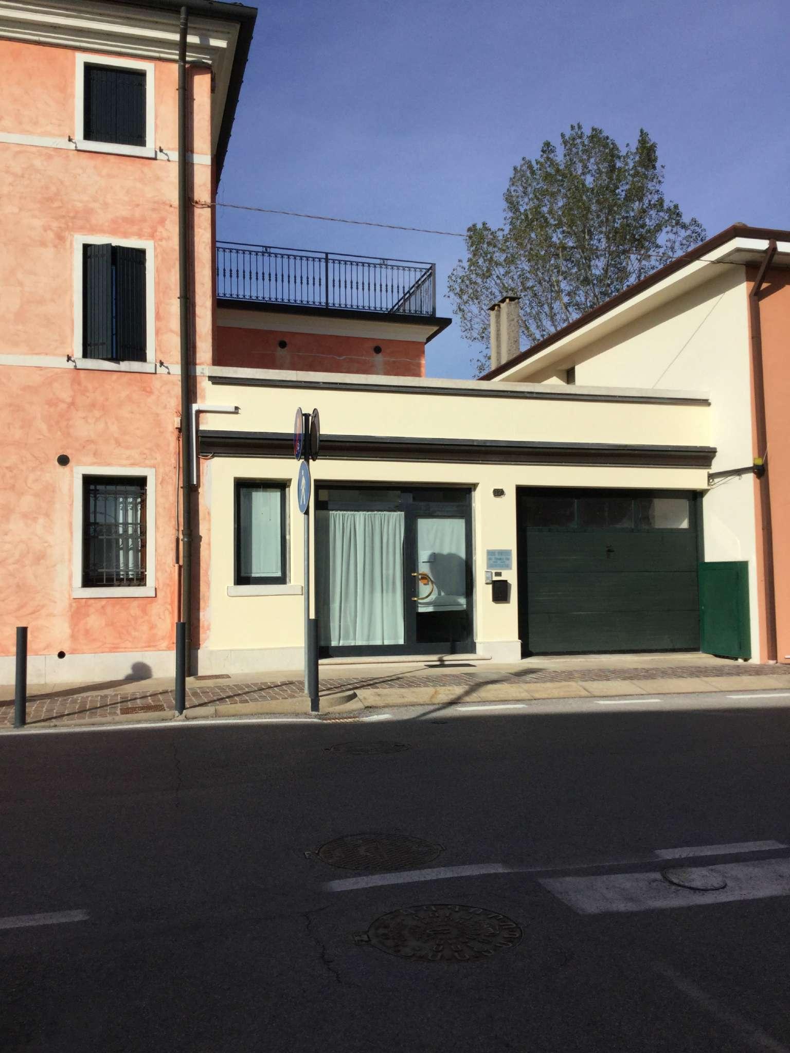 Ufficio / Studio in affitto a Roncade, 3 locali, prezzo € 400 | Cambio Casa.it