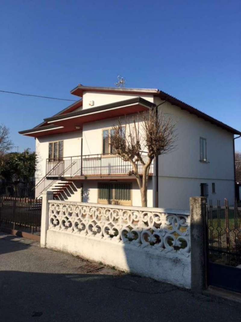 Soluzione Indipendente in vendita a Quarto d'Altino, 12 locali, prezzo € 195.000 | Cambio Casa.it
