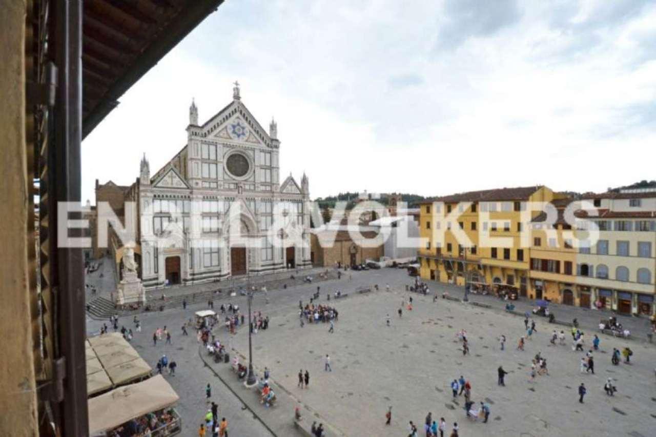 Bilocale Firenze Piazza Santa Croce 3