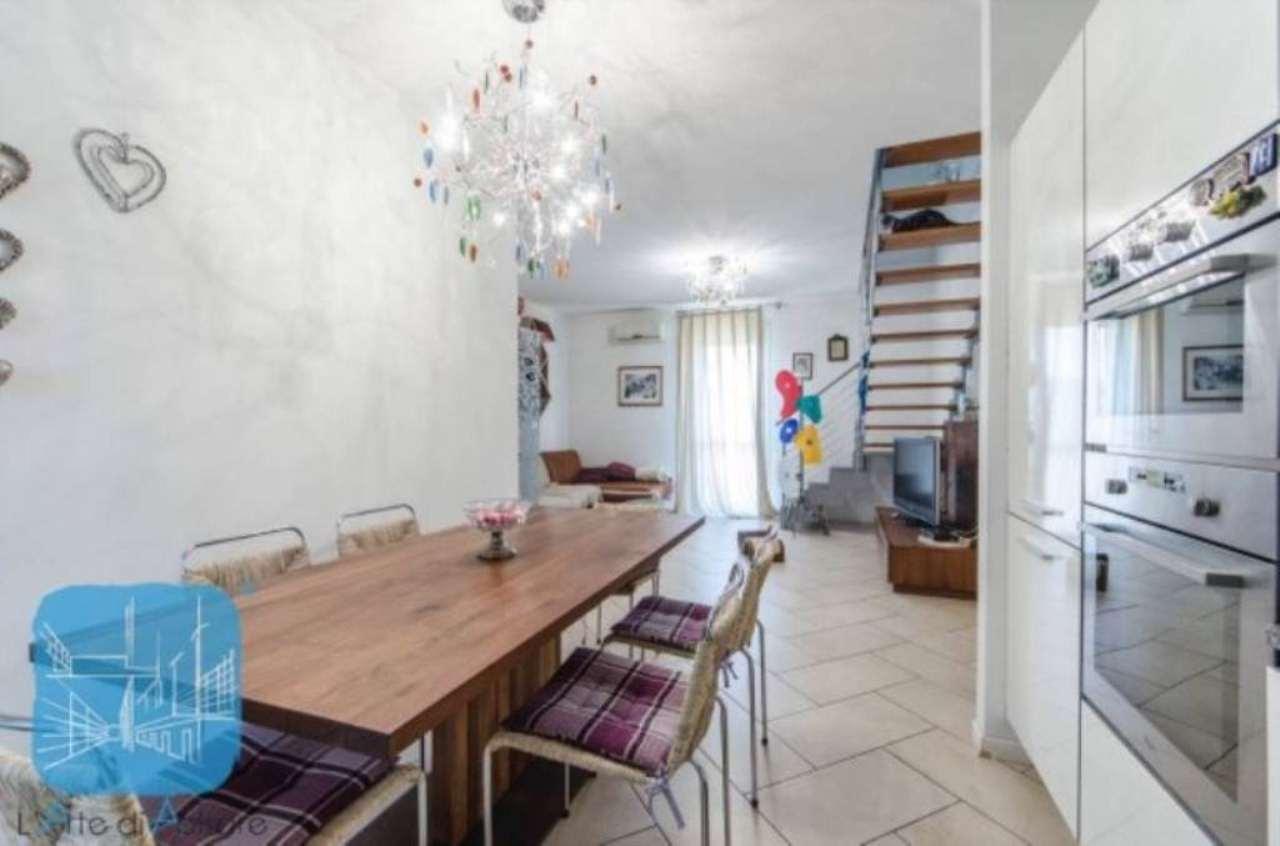 Appartamento in vendita a Piove di Sacco, 7 locali, prezzo € 145.000 | Cambio Casa.it