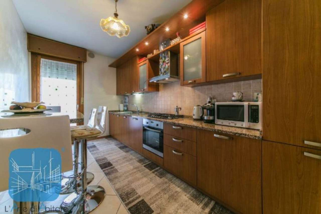 Appartamento in vendita a Piove di Sacco, 6 locali, prezzo € 125.000 | Cambio Casa.it