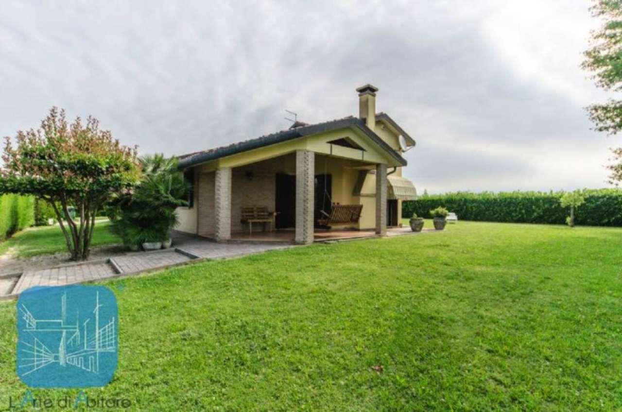 Soluzione Indipendente in vendita a Piove di Sacco, 5 locali, prezzo € 330.000 | Cambio Casa.it