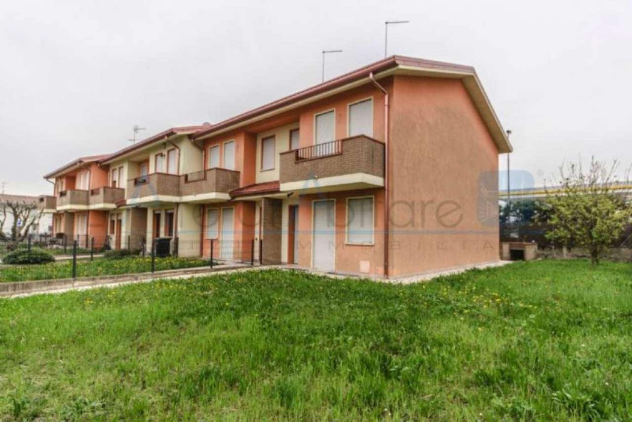Villa a Schiera in vendita a Piove di Sacco, 6 locali, prezzo € 235.000 | Cambio Casa.it