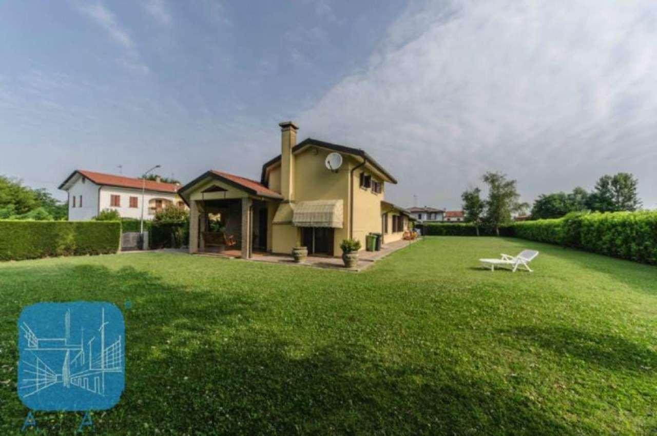 Soluzione Indipendente in vendita a Piove di Sacco, 5 locali, prezzo € 340.000 | Cambio Casa.it