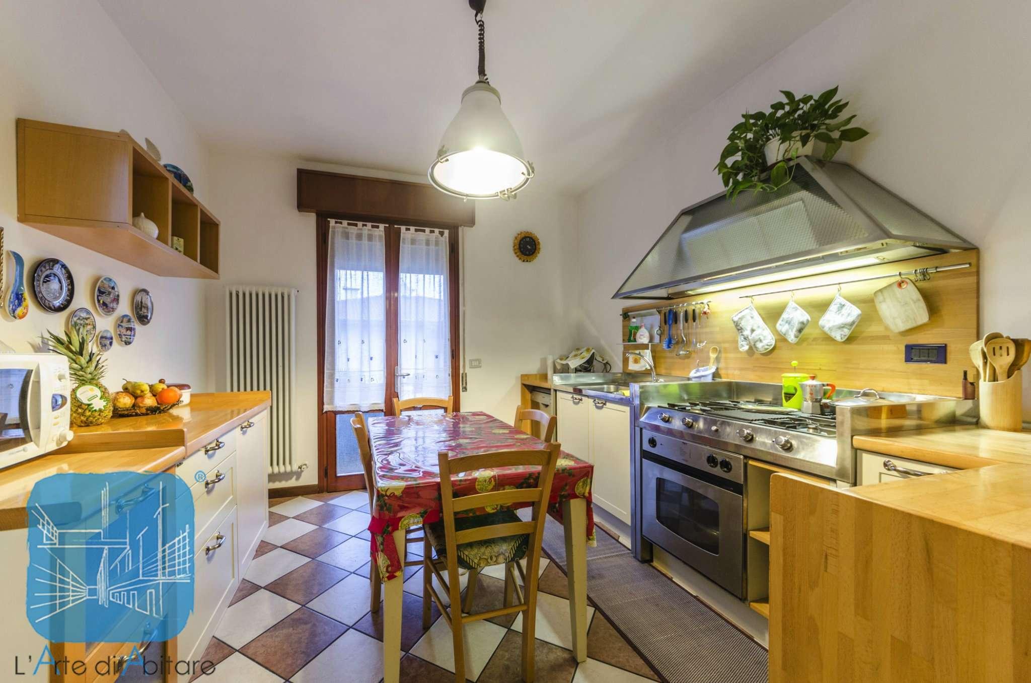 Appartamento in vendita a Piove di Sacco, 6 locali, prezzo € 130.000 | Cambio Casa.it