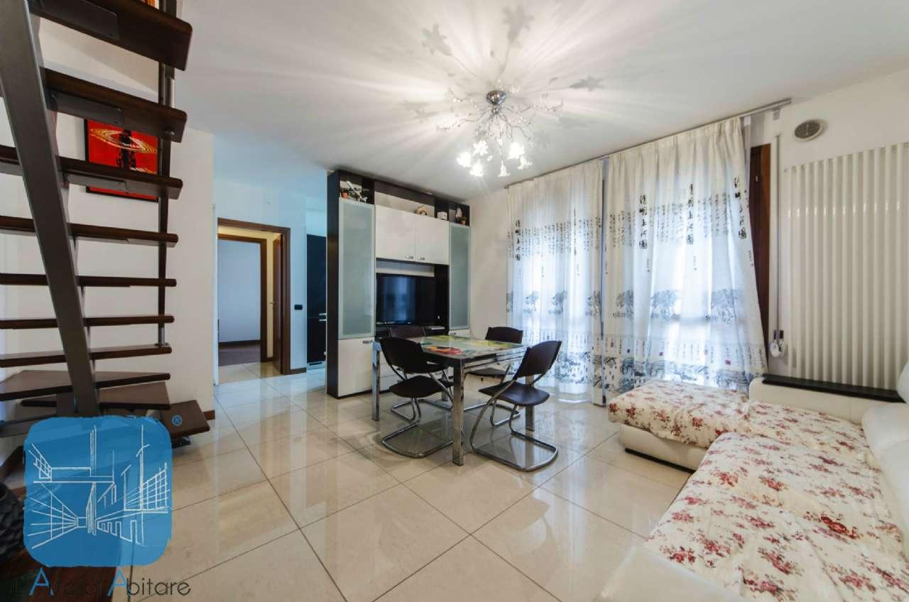 Appartamento in vendita a Piove di Sacco, 8 locali, prezzo € 140.000 | Cambio Casa.it