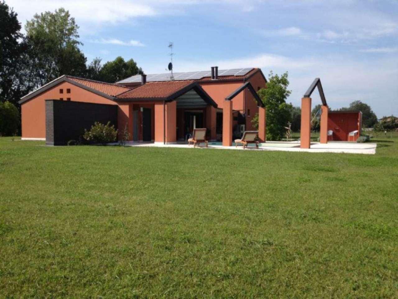 Villa in vendita a Castelfranco Veneto, 8 locali, prezzo € 750.000 | CambioCasa.it