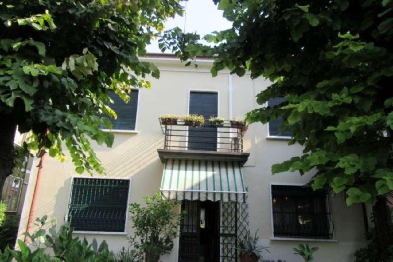 Soluzione Indipendente in vendita a Padova, 8 locali, zona Zona: 3 . Est (Brenta-Venezia, Forcellini-Camin), prezzo € 515.000 | Cambio Casa.it