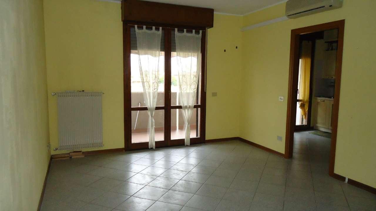 Appartamento in affitto a Padova, 4 locali, zona Zona: 2 . Nord (Arcella, S.Carlo, Pontevigodarzere), prezzo € 550 | Cambio Casa.it