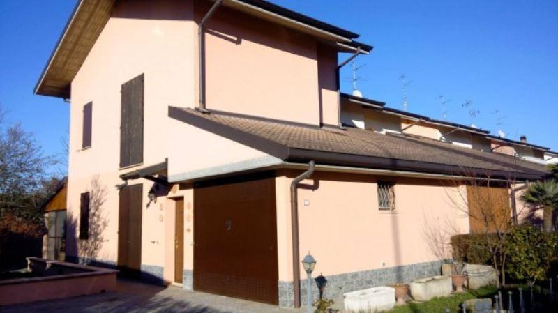 Villa in Vendita a Sant'Angelo Lodigiano