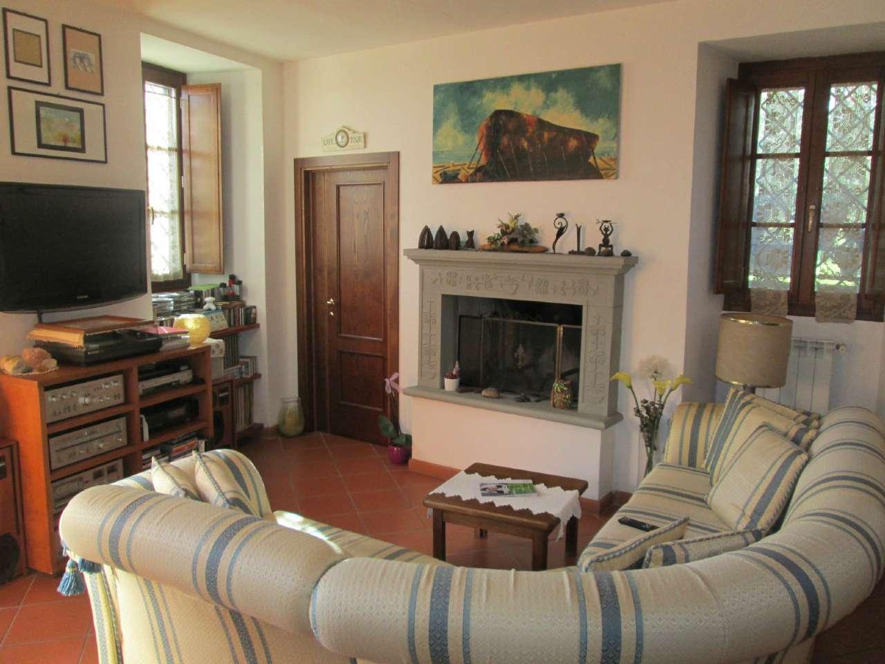 Villa in vendita a Quarrata, 7 locali, prezzo € 550.000 | Cambio Casa.it