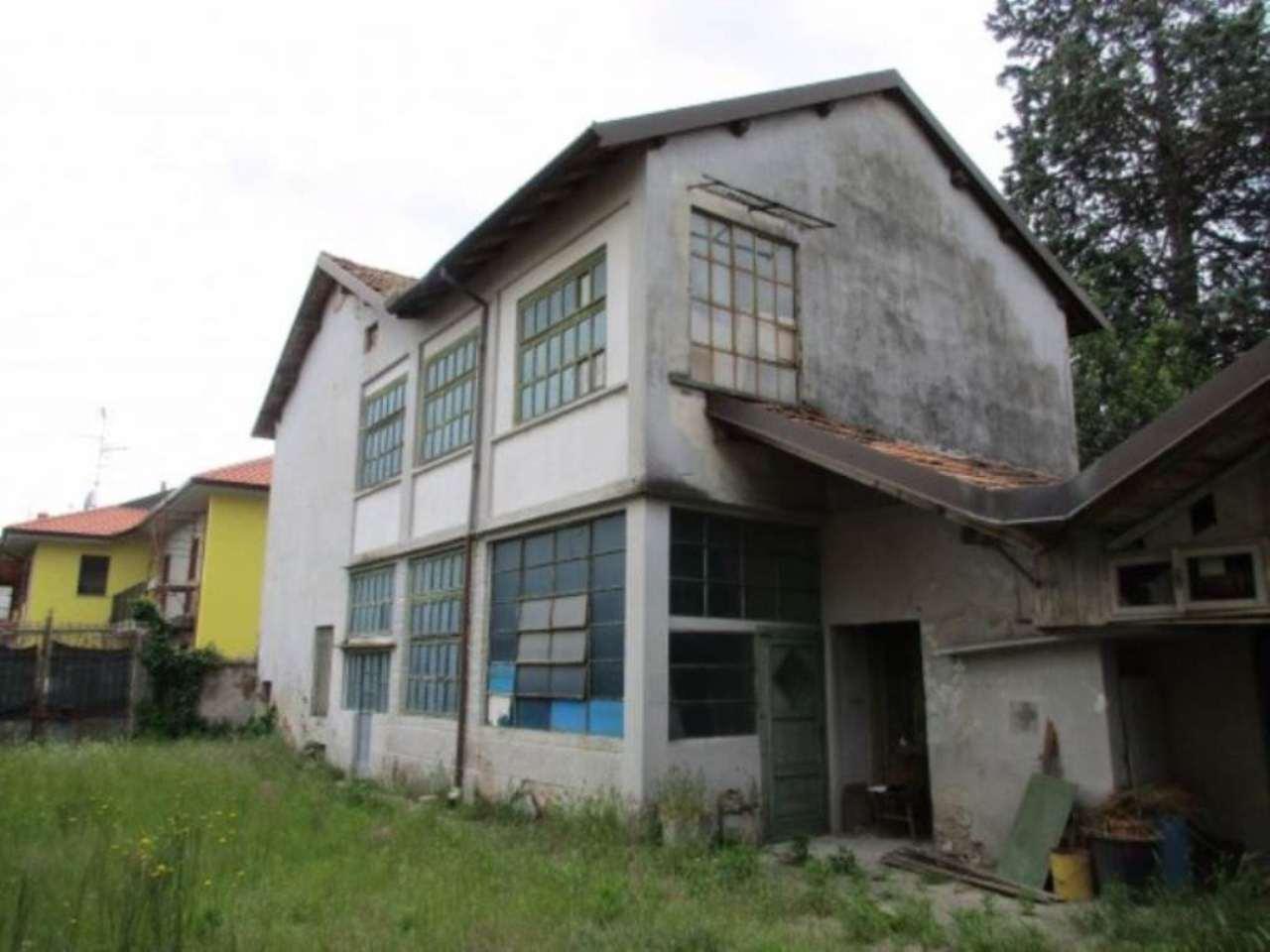 Villa in vendita a Cassano Magnago, 6 locali, prezzo € 77.000 | Cambio Casa.it
