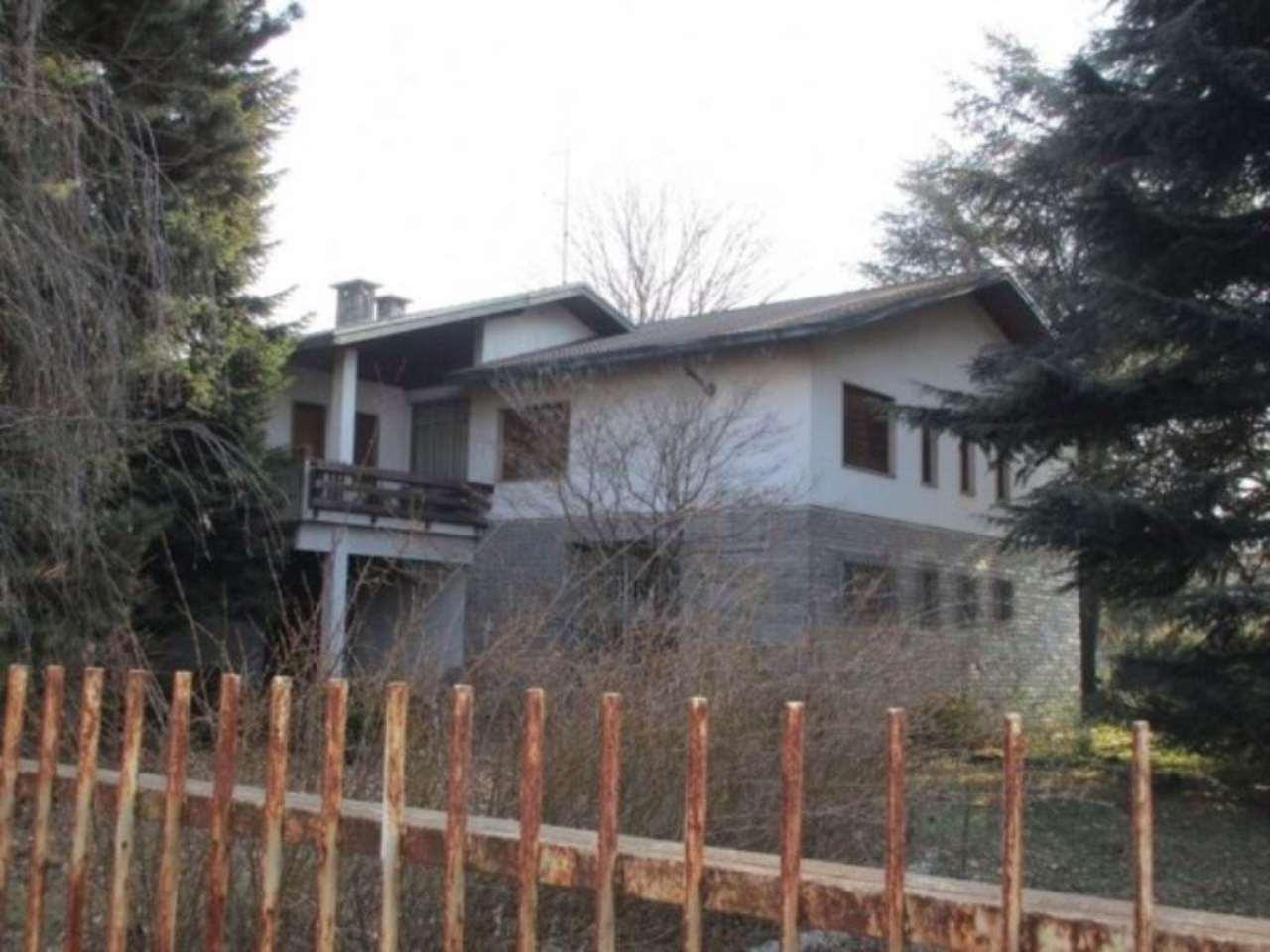 Villa in vendita a Cassano Magnago, 6 locali, prezzo € 320.000 | Cambio Casa.it