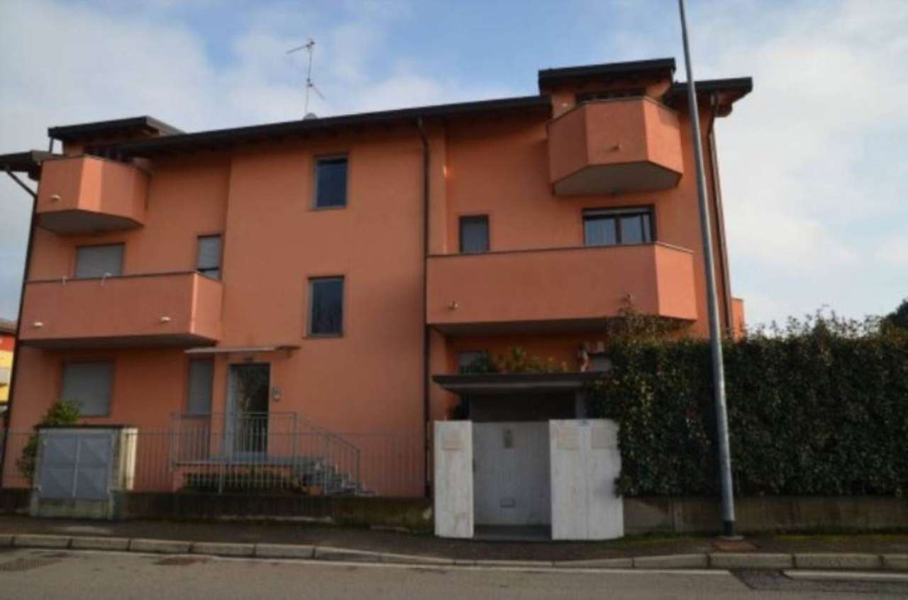 Appartamento in vendita a Cassano Magnago, 3 locali, prezzo € 137.000 | Cambio Casa.it