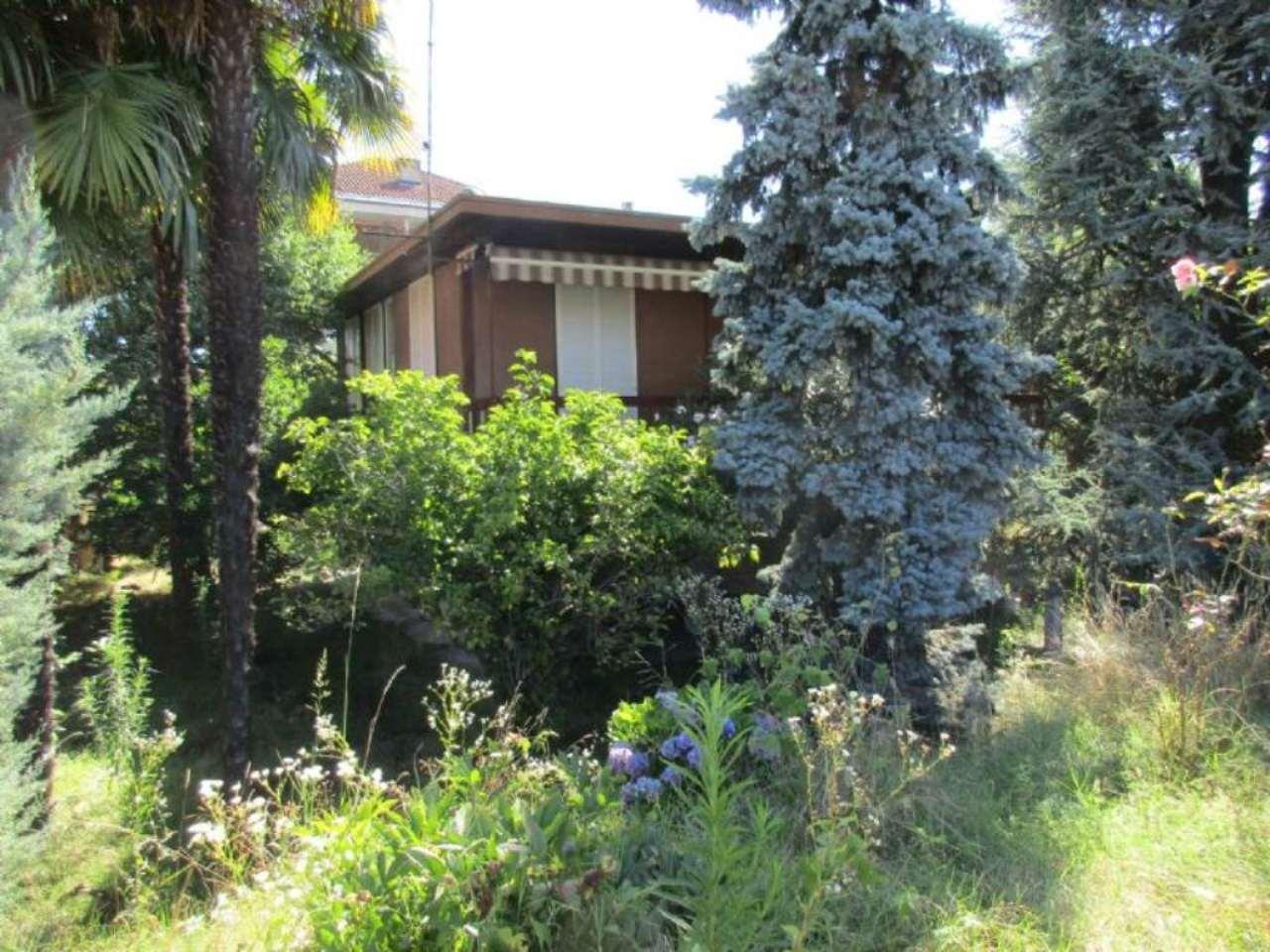Villa in vendita a Cassano Magnago, 7 locali, prezzo € 185.000 | Cambio Casa.it