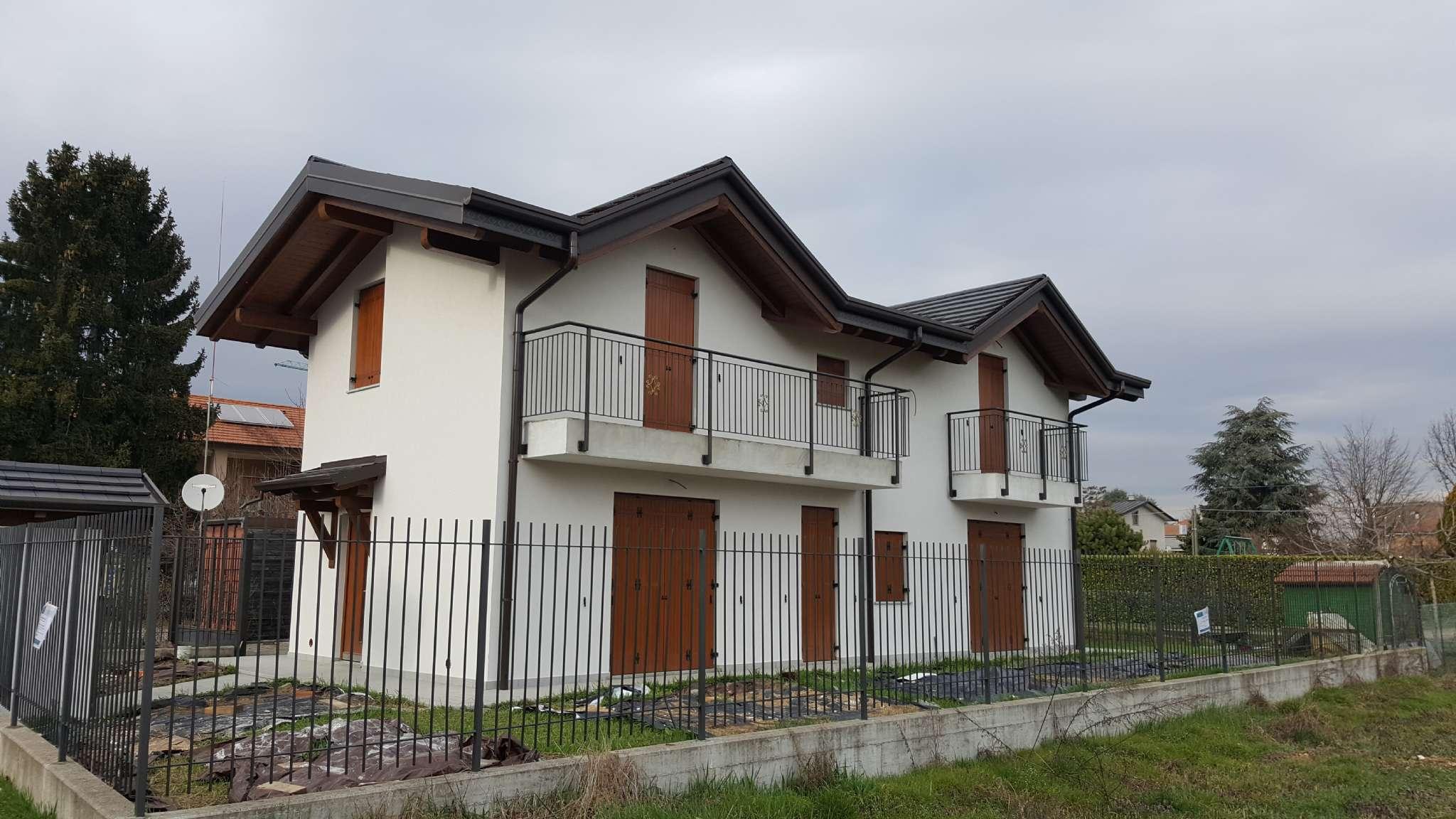 Villa in vendita a Cassano Magnago, 8 locali, prezzo € 295.000 | CambioCasa.it